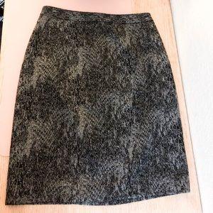 Tahari size 8 Patterned Mini Skirt